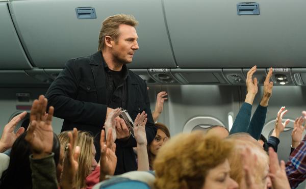 Non-Stop Still Liam Neeson 3