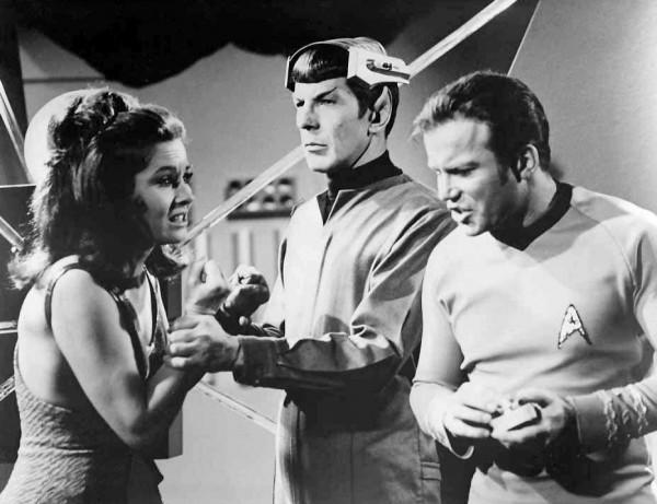 Leonard_Nimoy_William_Shatner_Spock's_Brain_Star_Trek_1968
