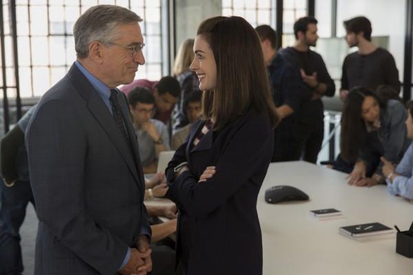 THE INTERN - Rober DeNiro and Anne Hathaway