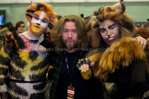 Justin Lee Collins and some feline friends at Wales Comic Con 2016 Part 2