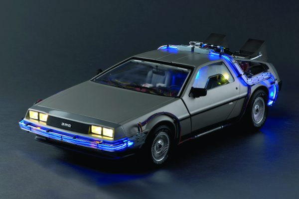 Build your own Back to the Future DeLorean - 1:8 scale