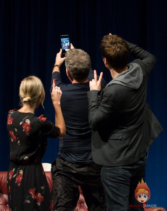 Laura Vandervoort, Matt Ryan & Sean Pertwee take a selfie! (photo by Karen Woodham/Blazing Minds)
