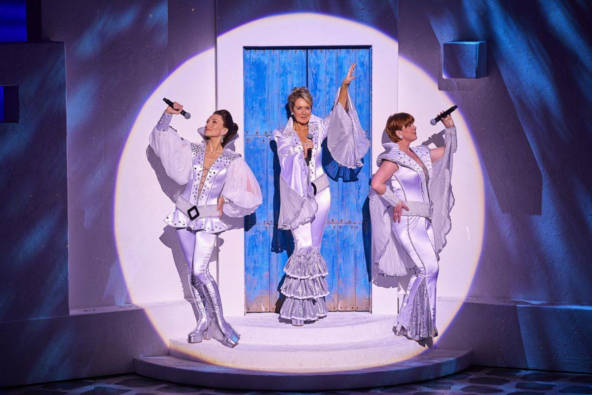 Mamma Mia a fan-ABBA-tastic night at Venue Cymru – Theatre Review