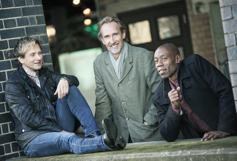 Mike and The Mechanics Announce 'Looking Over My Shoulder Tour'