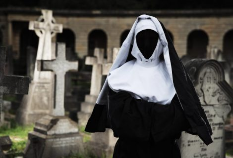 The Nun – See Celebs Scared Stiff at Brompton Cemetery
